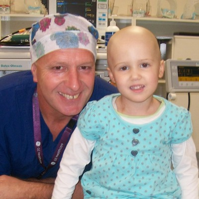 Zoe and one of the anaesthetic technicians